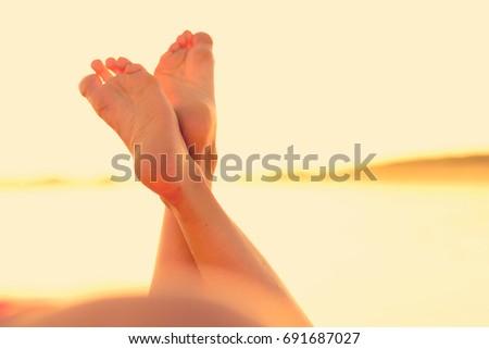 feet ass