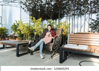 Peachy Patio Chairs And Table Cottage Stock Photos Images Short Links Chair Design For Home Short Linksinfo