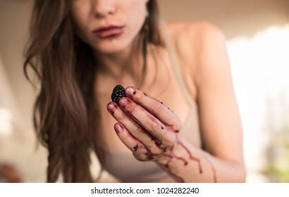 woman hand holding a blackberry