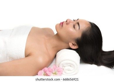 Woman having hair spa and body massage treatment in the spa salon center, Beauty healthy lifestyle and relaxation concept
