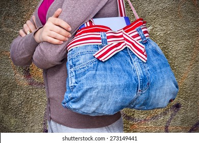 Woman jeans bag - upcycling idea