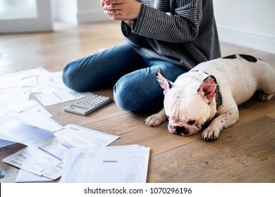 Woman managing the debt