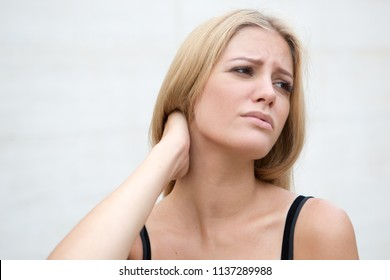 woman with neck problems