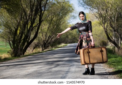 Woman photo traveling in the spring