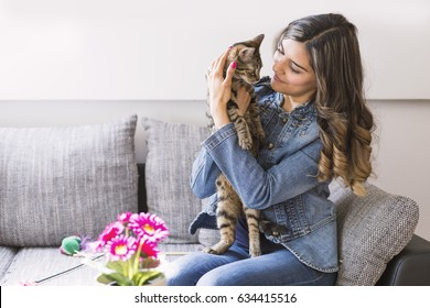 Woman portrait with her cat