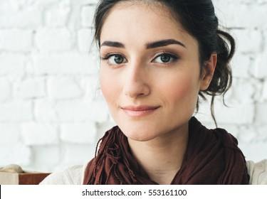 Woman portrait natural beautiful casual beautiful people