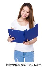 Woman read on clipboard