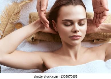 woman relax head massage