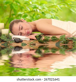 woman relaxing in a spa . Beauty and relaxation