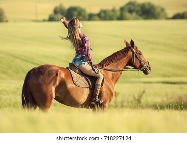 Woman ride horse