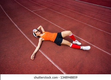 Woman runners give up on training.she tired