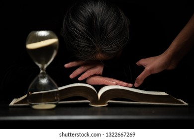 Woman Sleeping on Top of the Bible Shaken to See Time