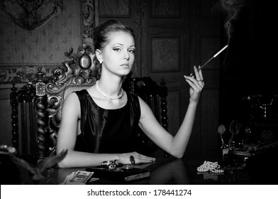 Woman smoke cigarette