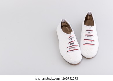 Woman sport shoes