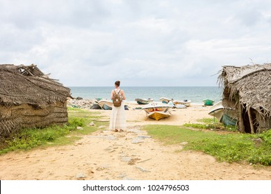 Woman at Talawila's fishing village, Sri Lanka, Asia
