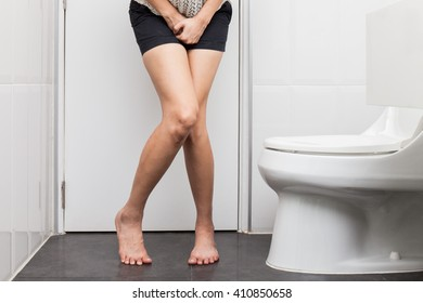 on toilet women Mature