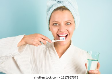 Woman with tooth brush. Teeth Care. Hygiene. Dental higiene. Oral care. Ceaning teeth. Morning routine.