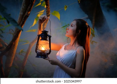 Holding Lantern Images Stock Photos Amp Vectors Shutterstock