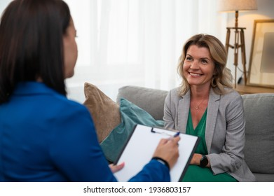 Woman visiting therapist for consultation