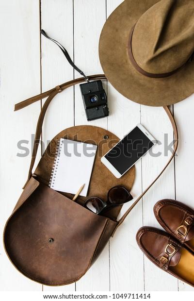 womans-journalist-traveler-accessories-o
