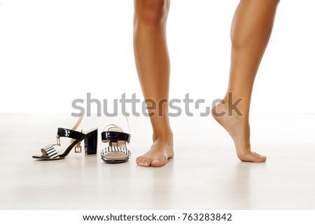 Bare women in high heels photo 566
