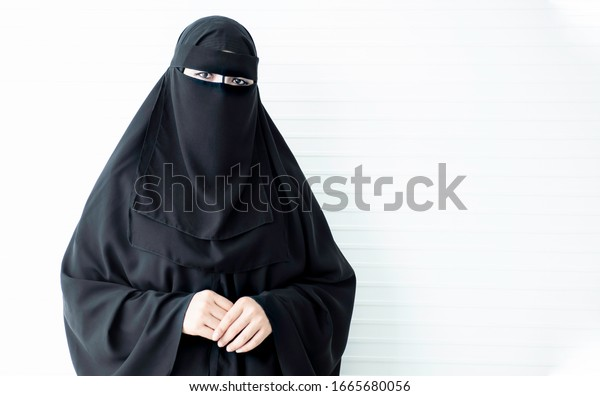 https://image.shutterstock.com/image-photo/women-black-traditional-muslim-dresses-600w-1665680056.jpg