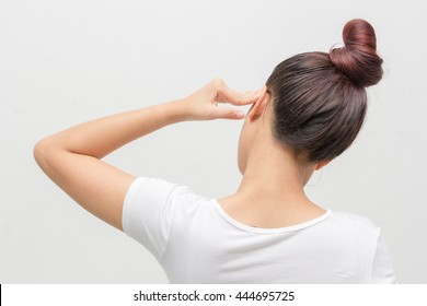 Women with migraine pain