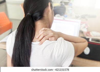 women office shoulder pain