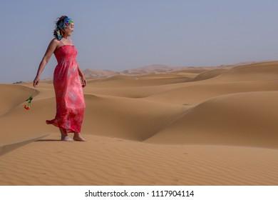 Women in Sahara desert