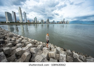 Women standing on the view of Panama City Skyline - Panama City, Panama