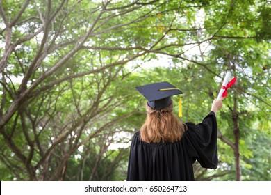 Women succeed in learning.