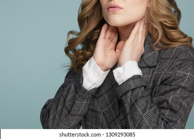 Women thyroid gland control. Sore throat of a people