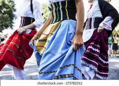 women who dance during a folk dance