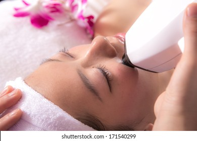 Women's beauty and health salons