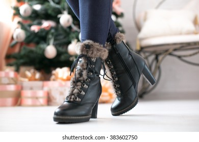 women's fashion boots with fur on a heel