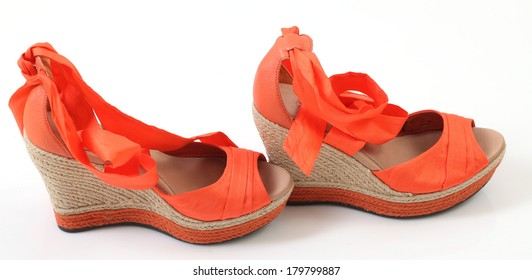 women's fashion sandals made ??of natural material
