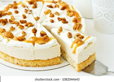 A wonderful caramel cheesecake with homemade caramel, nuts and chocolate.