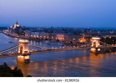 Wonderful city of Budapest picture, bird's-eye tonight.