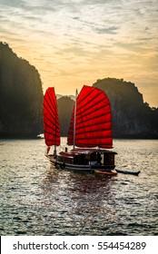 Die wunderbare Ha Long Bay, Unesco Welterbe in Vietnam