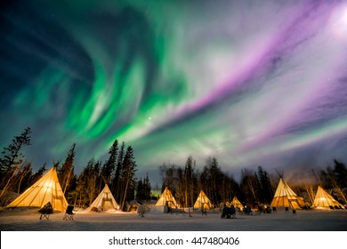 A wonderful night with Kp 5 index northern lights at Aurora Village in Yellowknife.