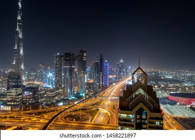 wonderful nocturnal panorama of dubai