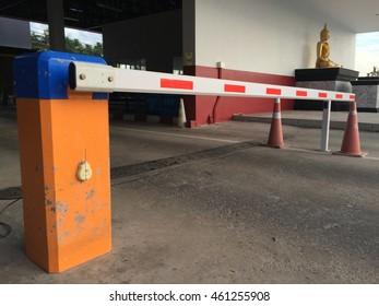 Wood block entrances
