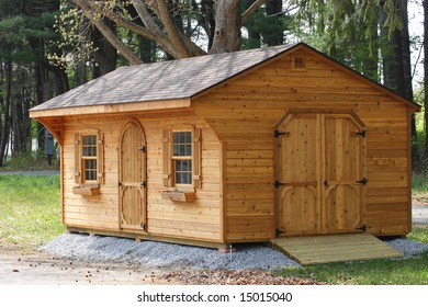 Wood cabin/shed