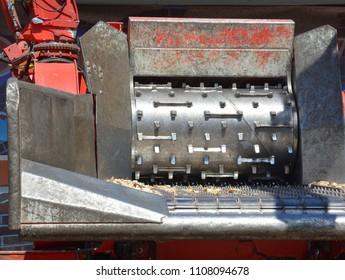 Wood chipper shredder.
