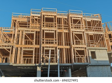 Wood Construction, Resistant earthquake structure.