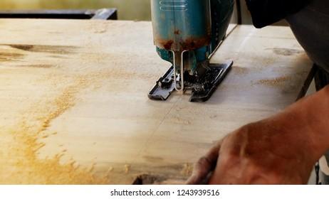 Wood cutting machine for furniture