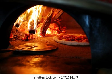 Wood Fired Pizza Oven with Pizza