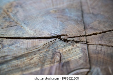 Wood graining as a background