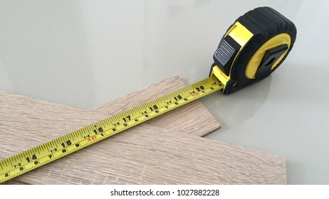 Wood length measurement with Measuring Tape
