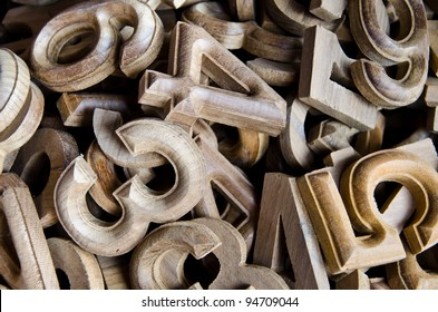wood numbers style